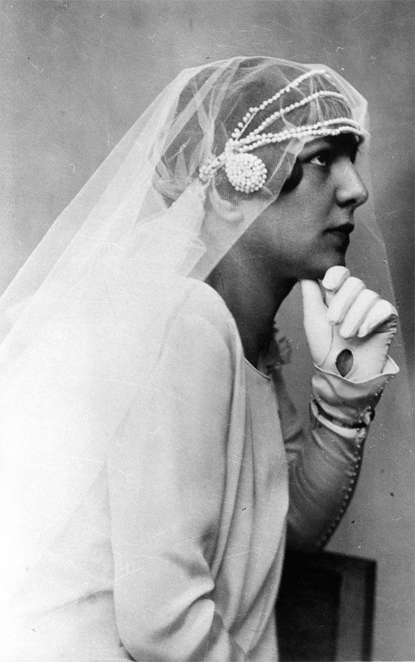 Φωτογραφικό πορτρέτο νύφης της δεκαετίας του 1920.