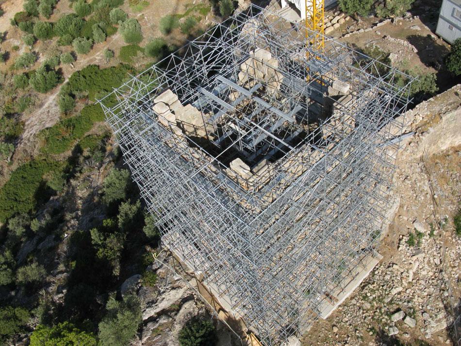 Άποψη του νοτιοανατολικού πύργου στα Αιγόσθενα (φωτ. ΑΠΕ-ΜΠΕ).