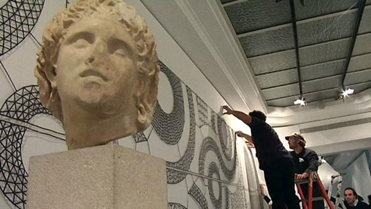 Προετοιμάζοντας την έκθεση «Nαυτίλος: Ταξιδεύοντας την Ελλάδα» στο Μουσείο Bozar των Βρυξελλών.