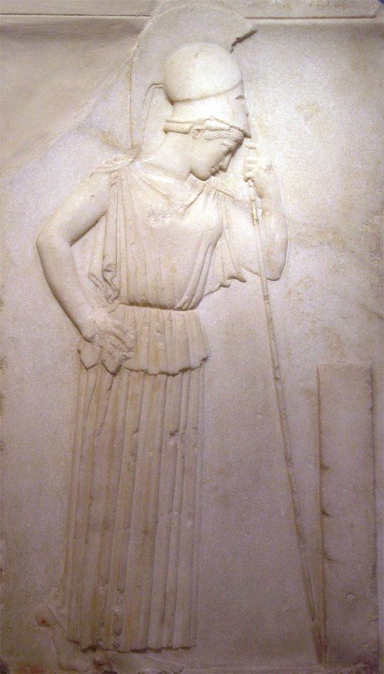Η «Σκεπτόμενη Αθηνά». Αττικό ανάγλυφο του 5ου αι. π.Χ., που εκτίθεται στο Μουσείο της Ακρόπολης.