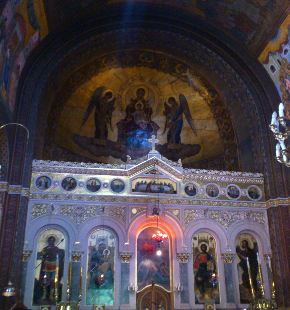 Εικ. 1. Πλατυτέρα και τέμπλο, ναός Αγίου Γεωργίου Κυψέλης.