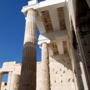 Η Μυρσίνη Ζορμπά στον αρχαιολογικό χώρο της Ακρόπολης