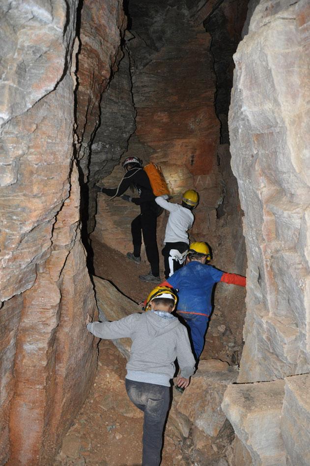 Ένα εκπαιδευτικό πρόγραμμα για παιδιά με σκοπό μία πρώτη γνωριμία τους με τα σπήλαια διοργανώνει το Μουσείο Φυσικής Ιστορίας Βόλου.