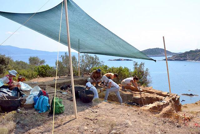 Ανασκαφικές εργασίες στην Κεφάλα Σκιάθου, 2013. Εικόνα: ιστότοπος ανασκαφής Κεφάλας.