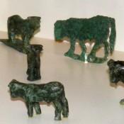 Χάλκινα ειδώλια ταύρων στο Αρχαιολογικό Μουσείο Άρτας