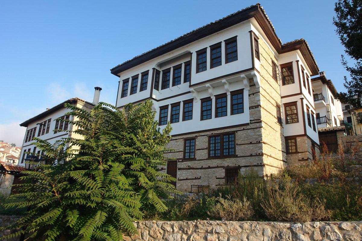 Το Αρχοντικό Μητούση μετά τις εργασίες αποκατάστασης (φωτ. ΑΠΕ-ΜΠΕ / Δήμος Καστοριάς).