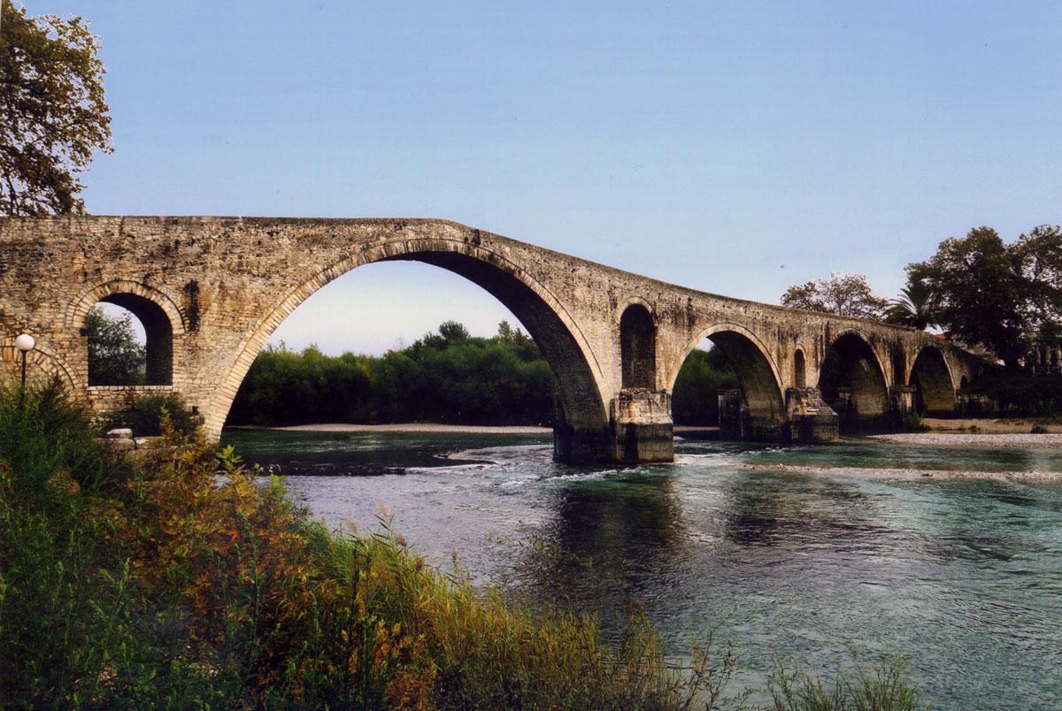 Εικ. 3. Το γεφύρι της Άρτας (2010).