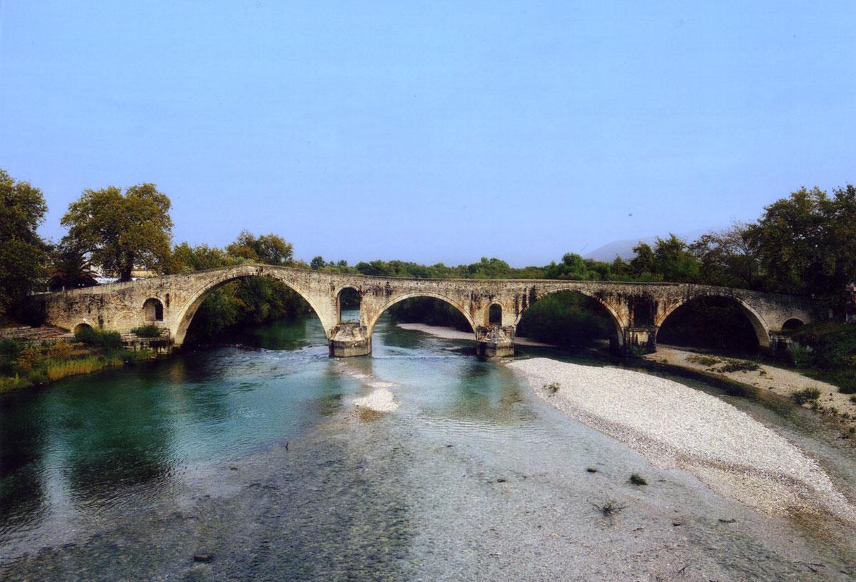 Εικ. 4. Το γεφύρι της Άρτας (2010).