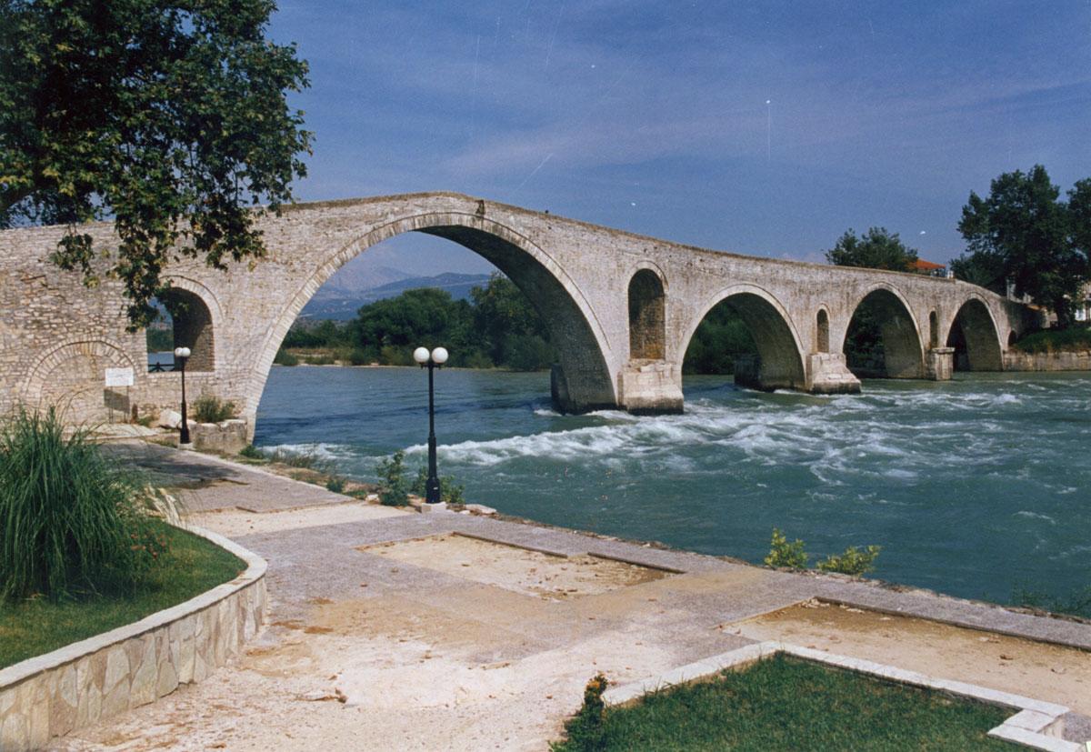 Εικ. 5. Το γεφύρι της Άρτας (2010).