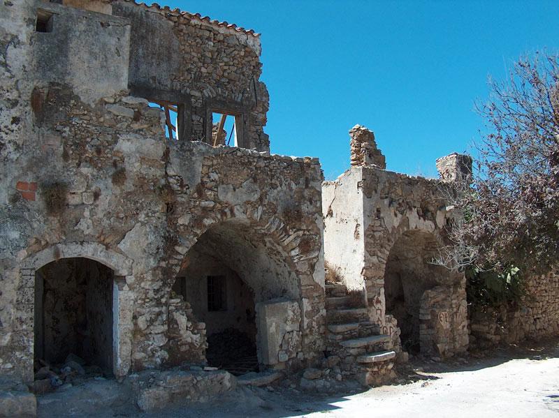 Εικ. 4. Άποψη του εσωτερικού του Κάστρου του Μυλοποτάμου (φωτ. Kythera.gr).