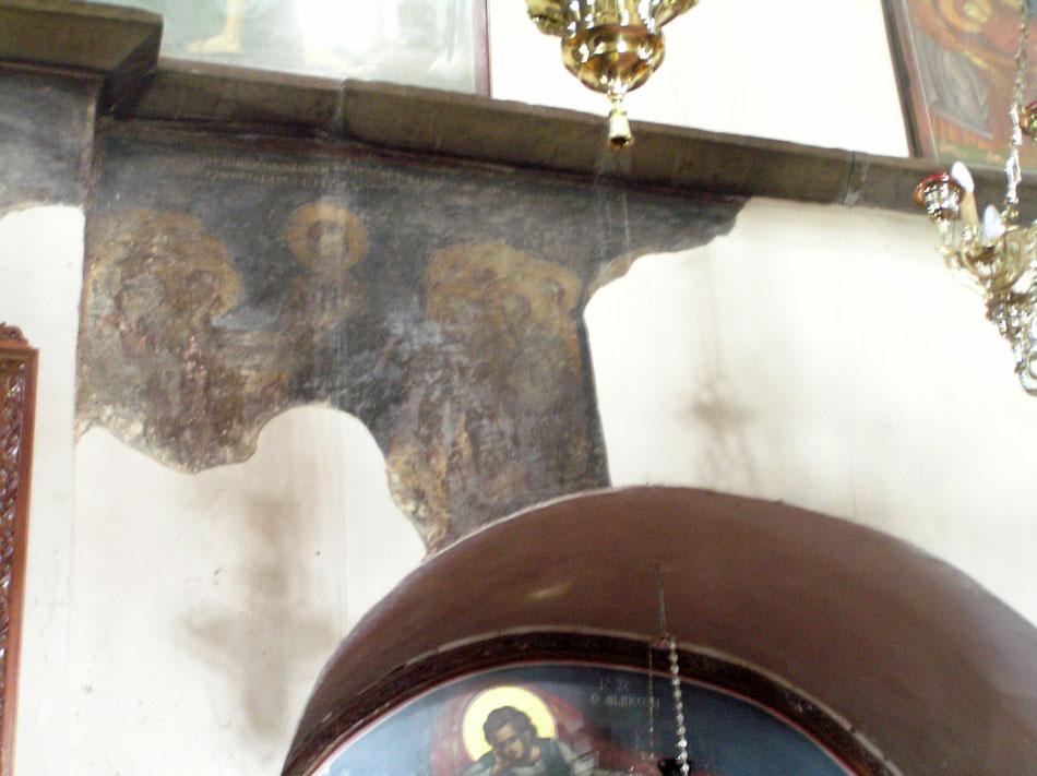 Εικ. 16. Ακτίνες φωτός στις τοιχογραφίες της δυτικής πλευράς του κυρίως ναού (Μάρτιος, ώρα 10:10).