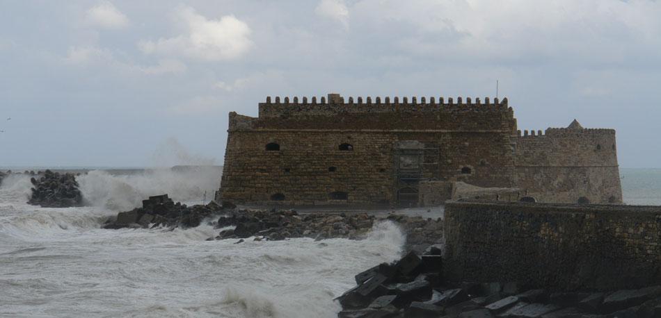 Ηράκλειο. Η δυτική όψη του φρουρίου της Θάλασσας (Κούλε) (φωτ. Ν. Σκουτέλης).