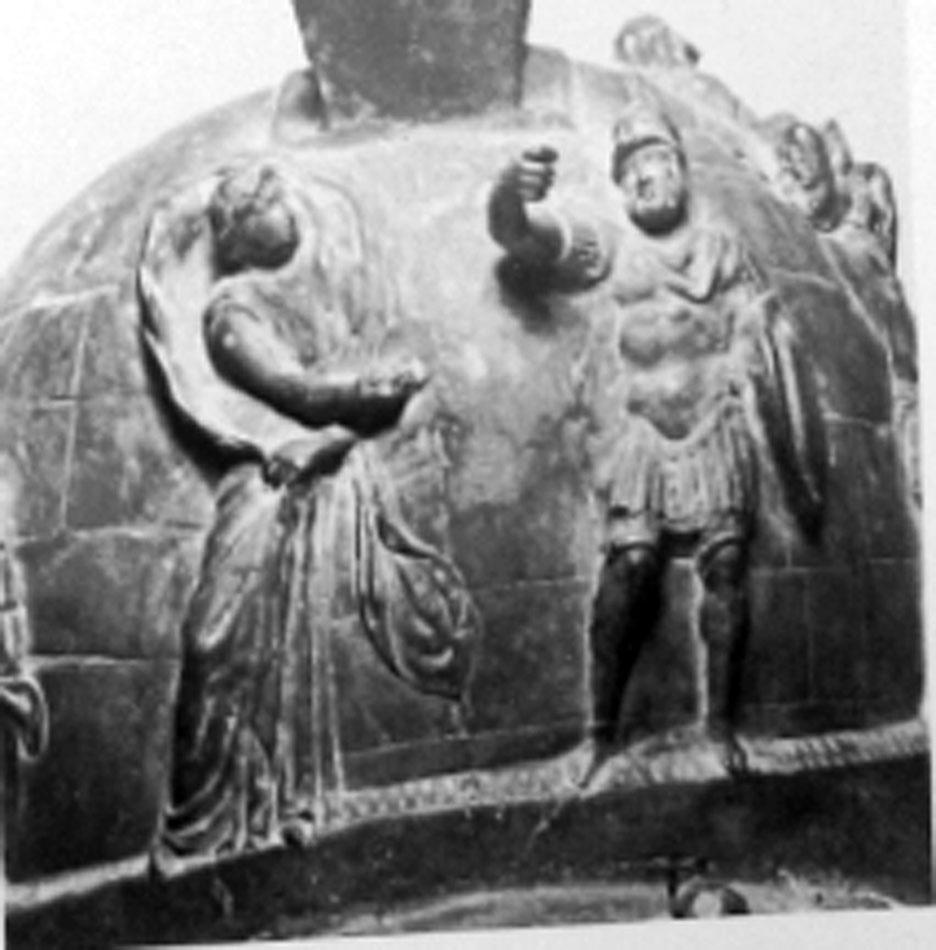 Εικ. 10. Χάλκινο αγγείο της εποχής του Τιβερίου, Νάπολη, Mus. Naz. 5673 (7533) (LIMC IV 2, σ. 331, εικ. 227).