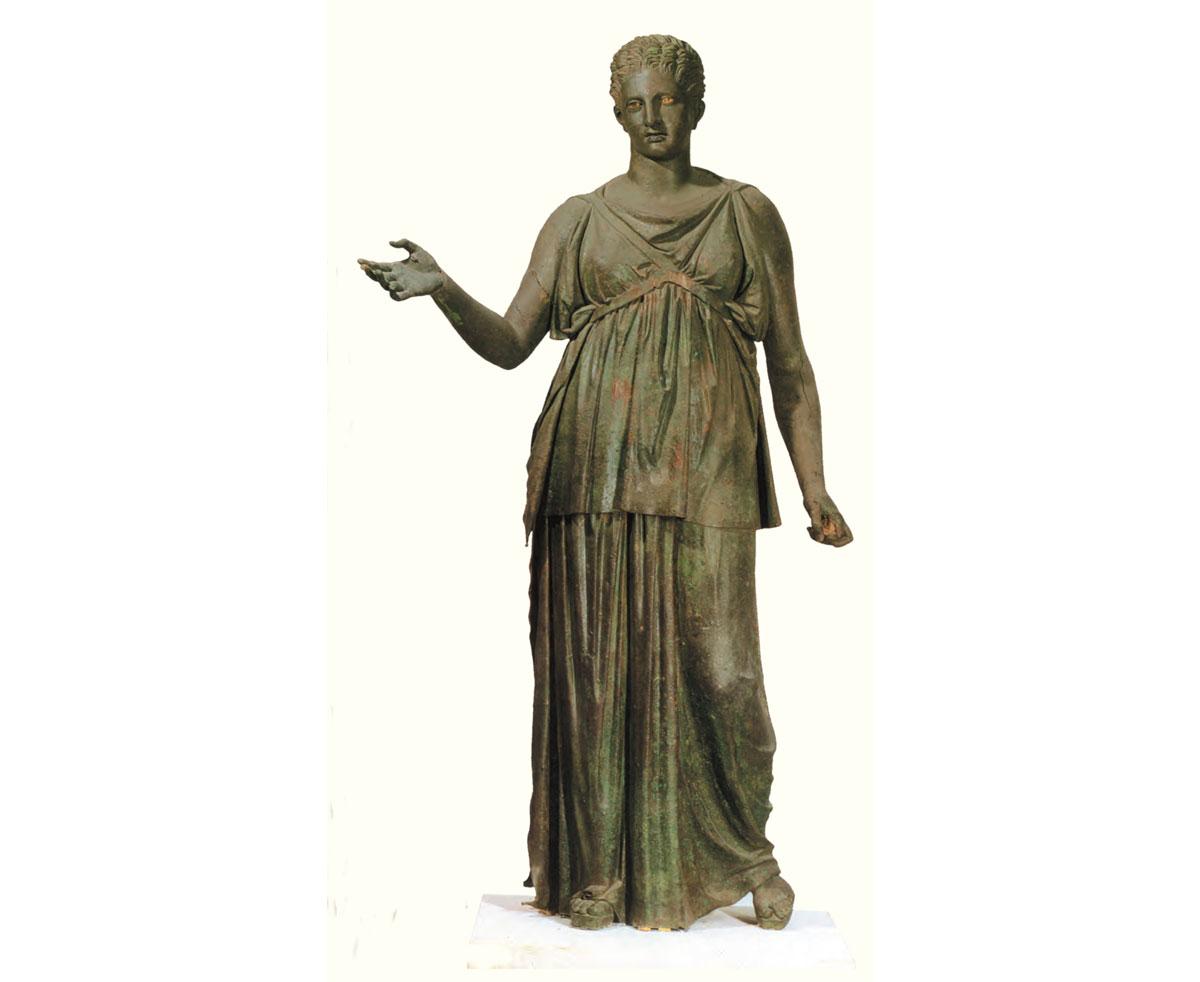 Η μεγάλη Άρτεμις. Αρχαιολογικό Μουσείο Πειραιά.