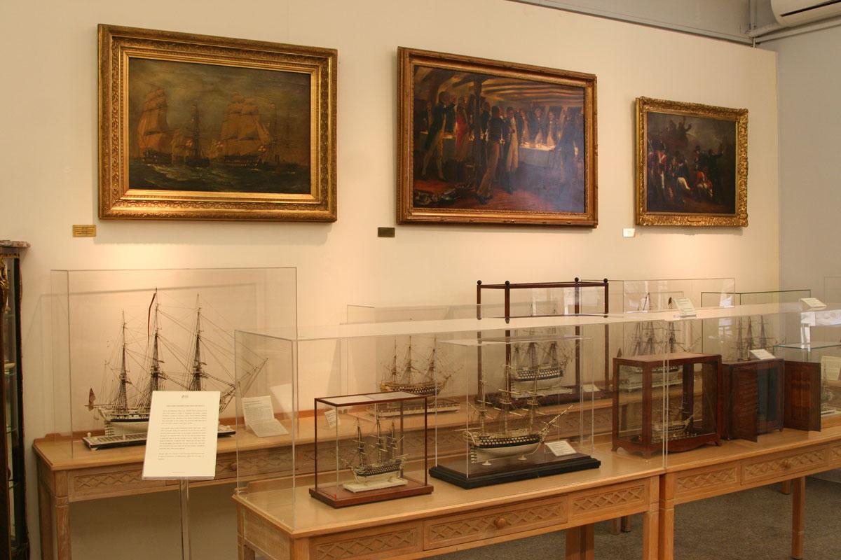 Άποψη της έκθεσης στο Ναυτικό Μουσείο Ελλάδος.