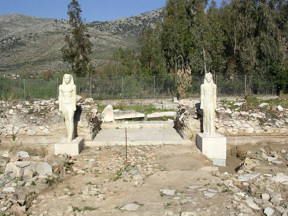 Άποψη του αρχαιολογικού χώρου της Μπρεξίζας. Τα αγάλματα που κοσμούν τον χώρο είναι αντίγραφα (φωτ. ΑΠΕ-ΜΠΕ).
