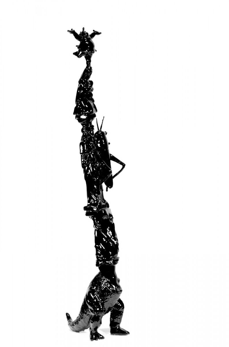 """Εικ. 8. Άκης Καράνος, """"You must be this tall to enter heaven,"""" 2013, μικτή τεχνική, 52x19x29 εκ. Copyright: Άκης Καράνος."""
