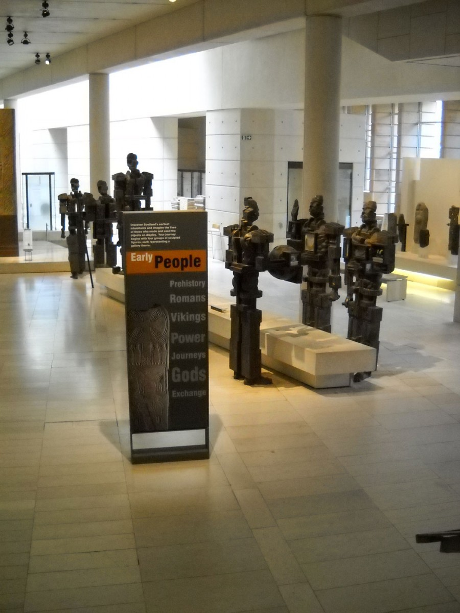 Εικ. 5: Εθνικό Μουσείο Σκωτίας: η ενότητα της προϊστορίας, Εδιμβούργο. Φωτ.: Α. Μπούνια.
