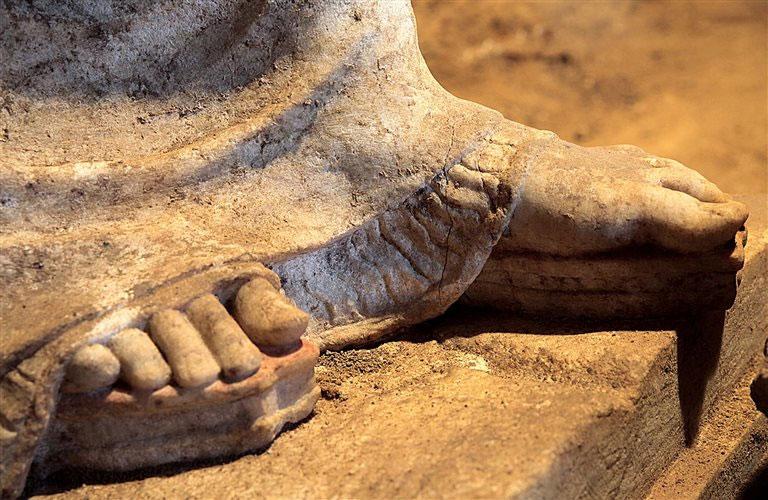 Τα ακροδάχτυλα των ποδιών τους έχουν αποδοθεί με εξαιρετική λεπτομέρεια.