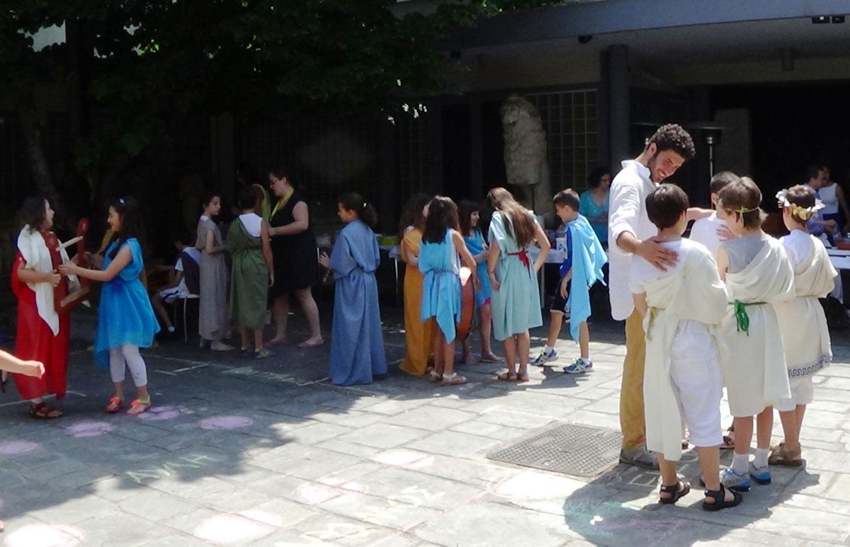 Εικ. 7. Θεατρικό δρώμενο «Αρχαιοελληνικό Συμπόσιο».