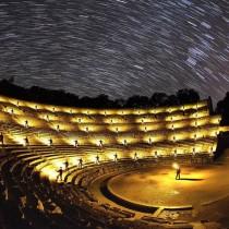 Αρχαίοι χώροι κάτω από τον έναστρο ουρανό της Ελλάδας