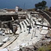 Αρχαίο θέατρο Μήλου: σε εξέλιξη οι εργασίες αποκατάστασης