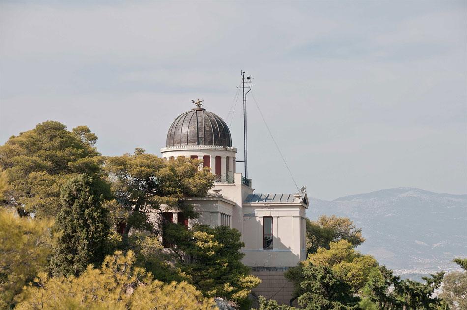 Το Εθνικό Αστεροσκοπείο Αθηνών, έργο του Θεόφιλου Χάνσεν (φωτ. Γ. Τζιτζάς).