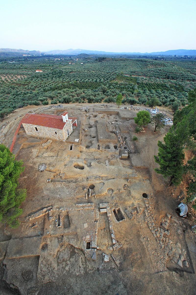 Εικ. 2. Αεροφωτογραφία Αμυκλαίου (Βασίλης Γεωργιάδης).