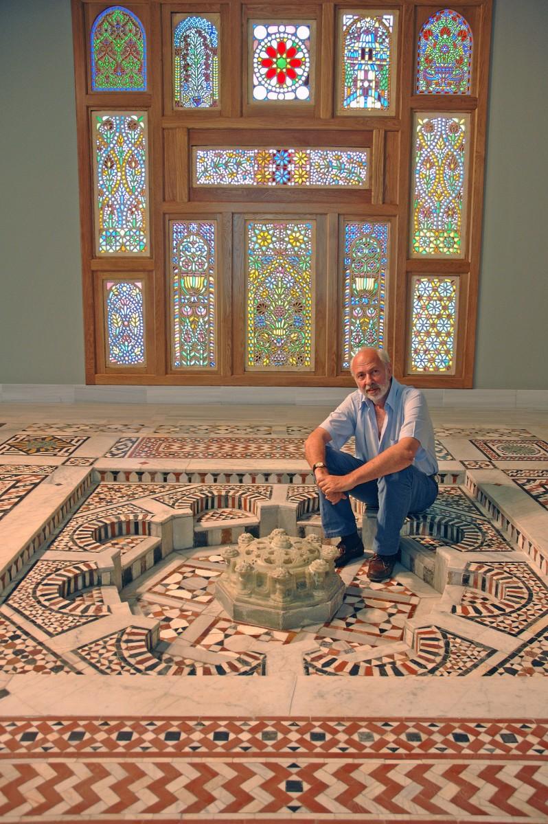 Εικ. 4. Ο. Α. Δεληβορριάς στο  Μουσείο Ισλαμικής Τέχνης.