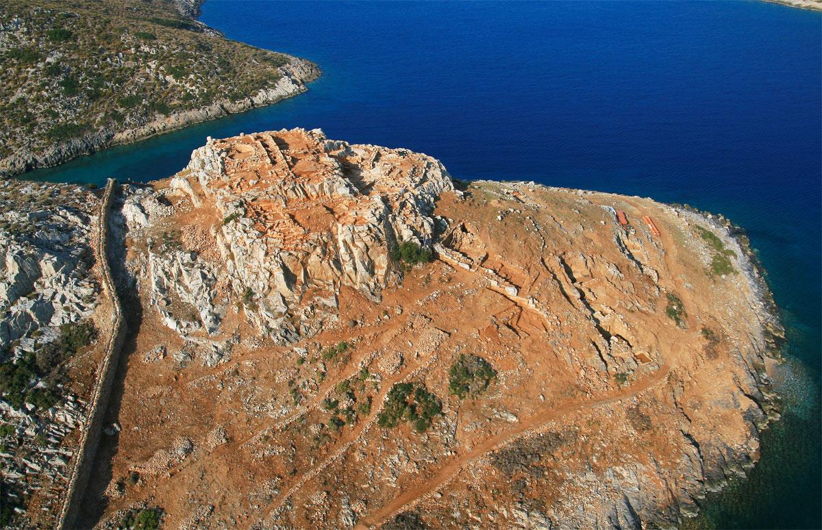 Αρχαιολογικός χώρος Καστράκι. Άποψη από ανατολικά.