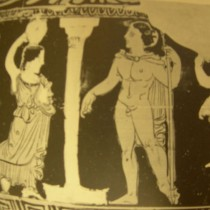 Η κορυφαία του χορού του δράματος Ηλέκτρα σε δύο παραστάσεις αγγείων