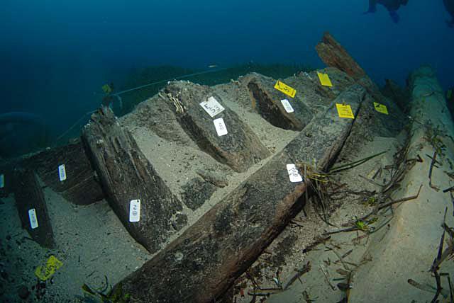 Ο ξύλινος σκελετός του ναυαγίου της Ζακύνθου διατηρείται σε σημαντικό βαθμό, γεγονός σπάνιο για το μεσογειακό οικοσύστημα (φωτ. ΥΠΠΟΑ).