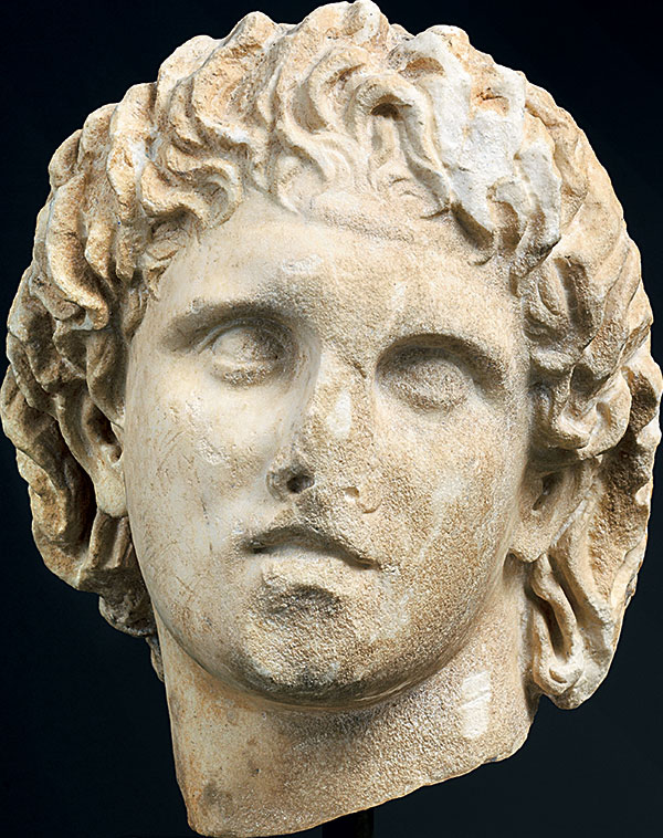 Μαρμάρινη κεφαλή του Μεγάλου Αλεξάνδρου από την Πέλλα, Πρώιμη Ελληνιστική περίοδος, Αρχαιολογικό Μουσείο Πέλλας.