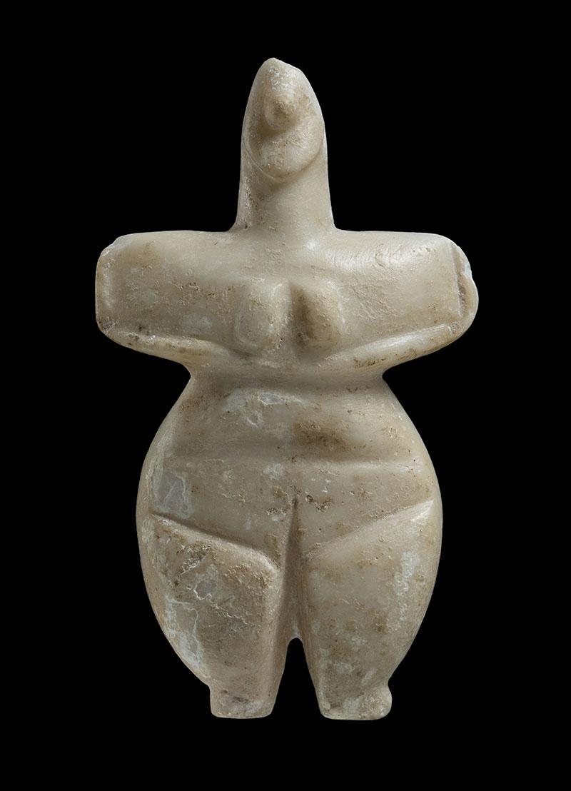 Γυναικείο ειδώλιο από την Αίγινα, 5300-4800 π.Χ. Εθνικό Αρχαιολογικό Μουσείο, Αθήνα.