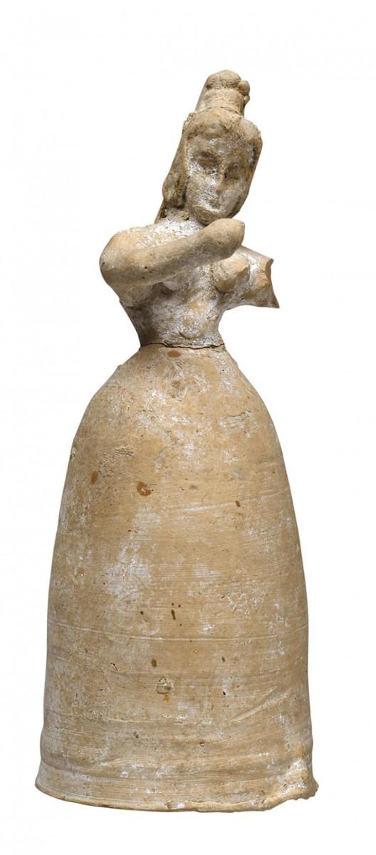 Πήλινο γυναικείο ειδώλιο από τη Φαιστό, 1700-1600 π.Χ. Αρχαιολογικό Μουσείο Ηρακλείου.
