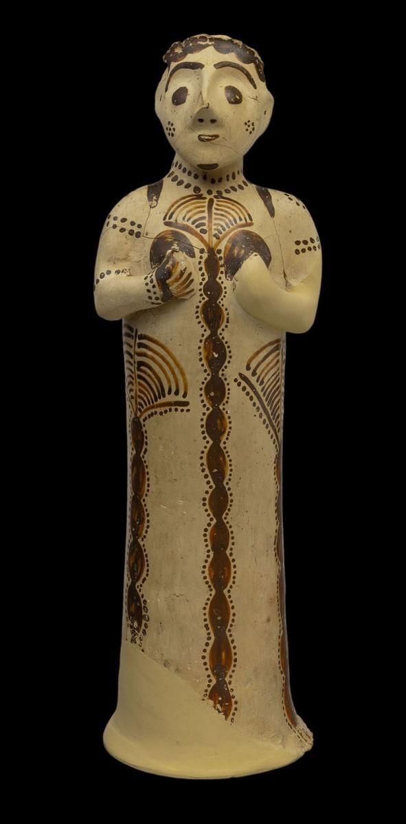 Πήλινο γυναικείο ειδώλιο από τις Μυκήνες, 13ος αι. π.Χ. Αρχαιολογικό Μουσείο Μυκηνών.