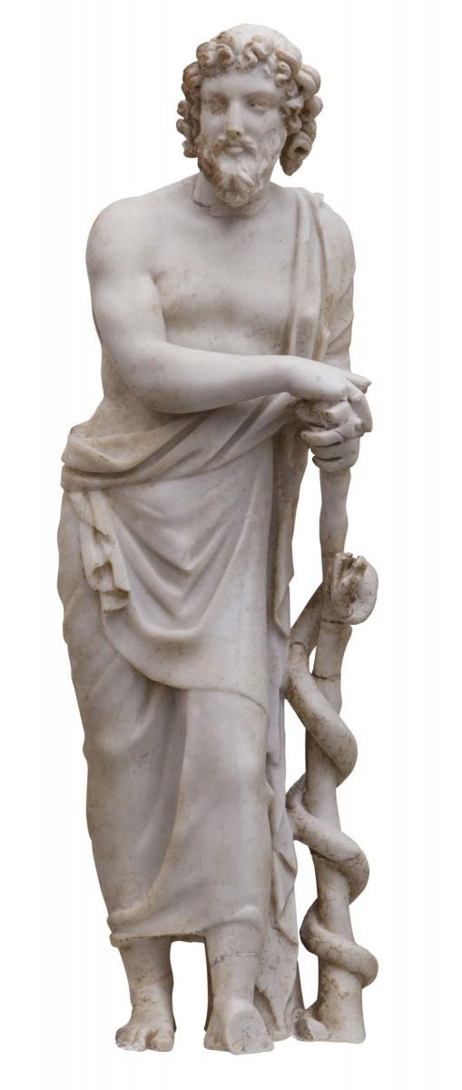 Μαρμάρινο αγαλμάτιο του Ασκληπιού, του κατ' εξοχήν θεραπευτή θεού της αρχαιότητας. 3ος-4ος αι. μ.Χ., Αρχαιολογικό Μουσείο Ρόδου. © ΥΠΠΟΑ - ΚΒ΄ ΕΠΚΑ (Φωτογράφος Γιώργος Κασιώτης)