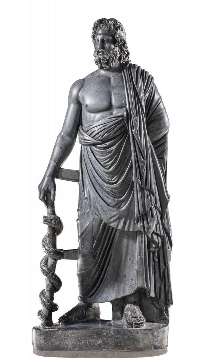 Μαρμάρινο άγαλμα του θεού Ασκληπιού από την αυτοκρατορική έπαυλη στο Anzio. Περίοδος Αδριανού (117-138 μ.Χ.), Ρώμη, Μουσεία Καπιτωλίου. © Roma, Musei Capitolini (φωτογρ. αρχείο)