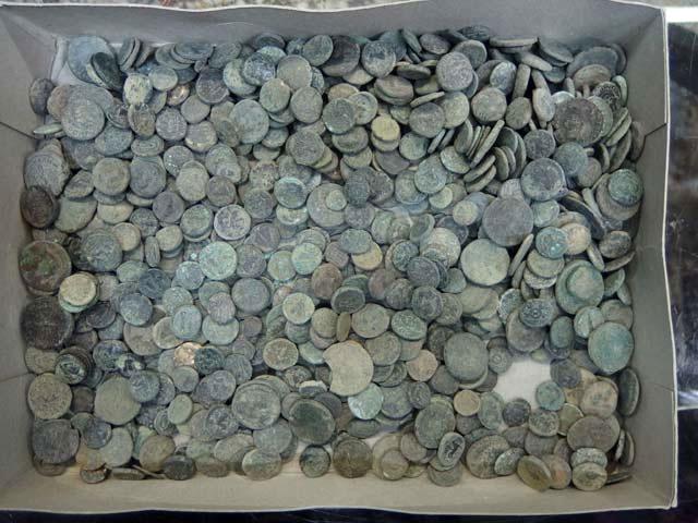Χάλκινα νομίσματα κλασικών, ελληνιστικών, ρωμαϊκών και υστερορωμαϊκών χρόνων που επαναπατρίστηκαν από τη Γερμανία.