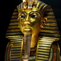 Το Αιγυπτιακό Μουσείο επιβεβαιώνει τη ζημιά στη μάσκα του Τουταγχαμών