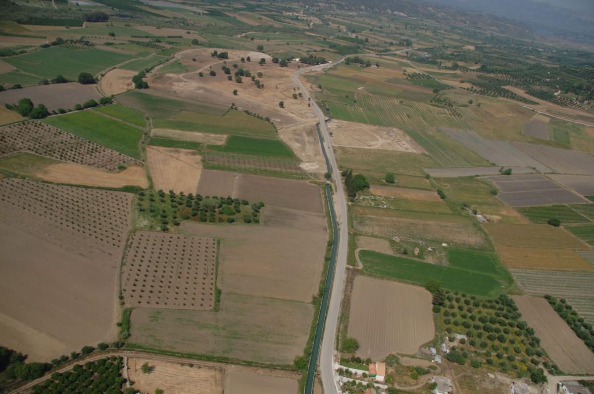 Εικ. 2.  Αεροφωτογραφία του χώρου της Ήλιδος από δυτικά.