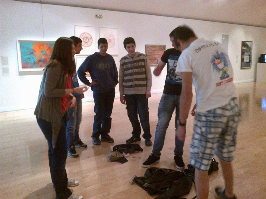 Εικ. 1. Επίσκεψη με φίλους στο μουσείο.