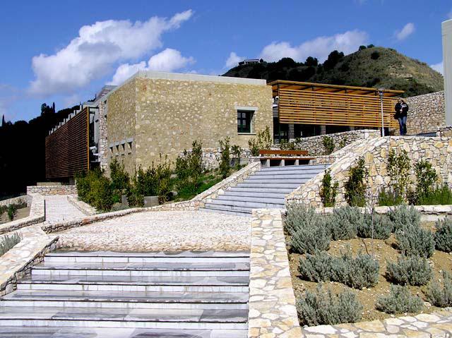 Εικ. 4. Το κτίριο του Αρχαιολογικού Μουσείου Ήλιδος αμέσως μετά την ολοκλήρωση της κατασκευής του (πηγή: http://www.yppo.gr/5/g5141.jsp?obj_id=25470).