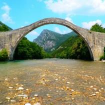 Εγκρίθηκαν οι μελέτες αποκατάστασης για το Γεφύρι της Πλάκας