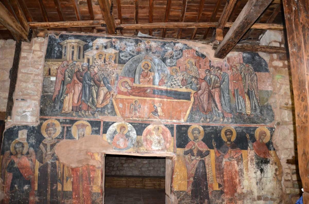 Παράσταση της Κοίμησης της Θεοτόκου στον Άγιο Πατάπιο της Βέροιας (φωτ. Εφορεία Αρχαιοτήτων Ημαθίας).