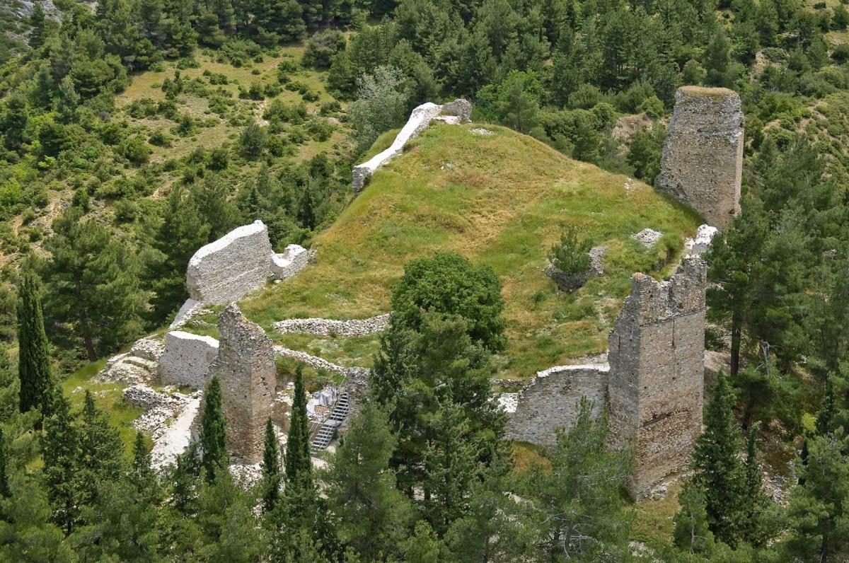 Το Κάστρο των Σερβίων (φωτ. Εφορεία Αρχαιοτήτων Ημαθίας).