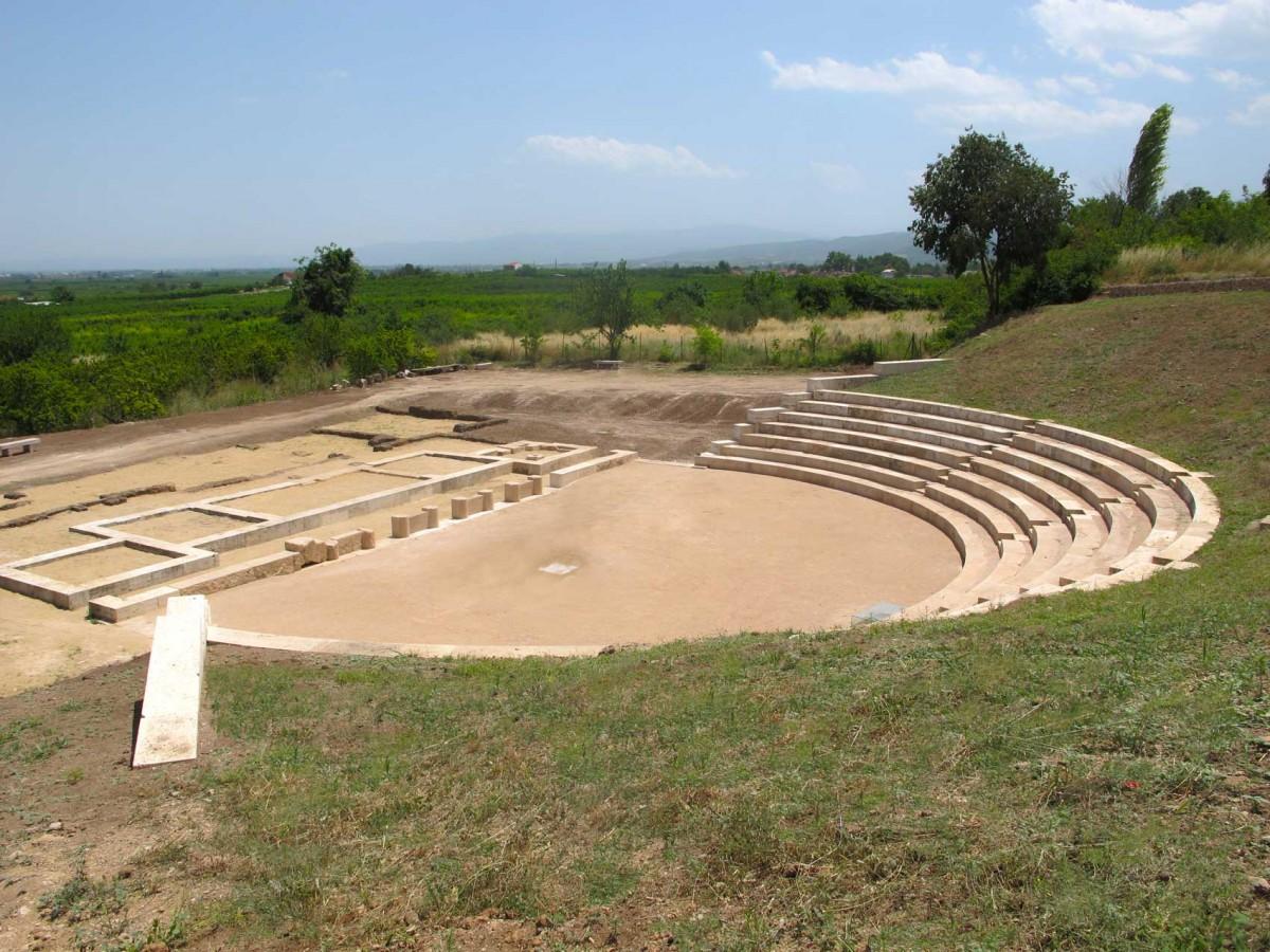 Το αρχαίο θέατρο της Μίεζας (φωτ. Εφορεία Αρχαιοτήτων Ημαθίας)