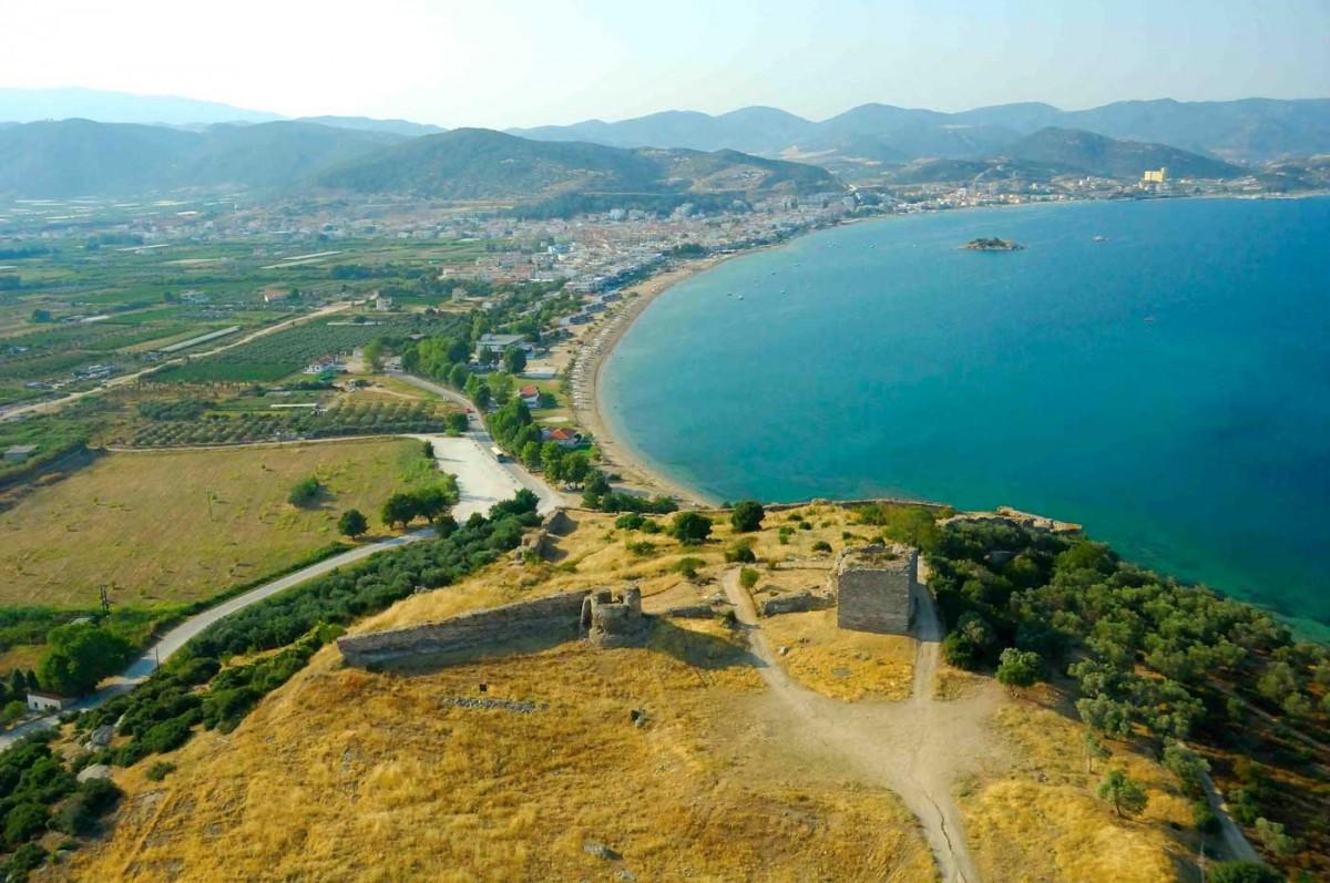 Η αποκατάσταση του κάστρου από την Εφορεία Αρχαιοτήτων Καβάλας αναμένεται να αλλάξει τη συνολική εικόνα του μνημείου (φωτ. Αρχείο Δήμου Καβάλας / Αχιλλέας Σαββόπουλος).