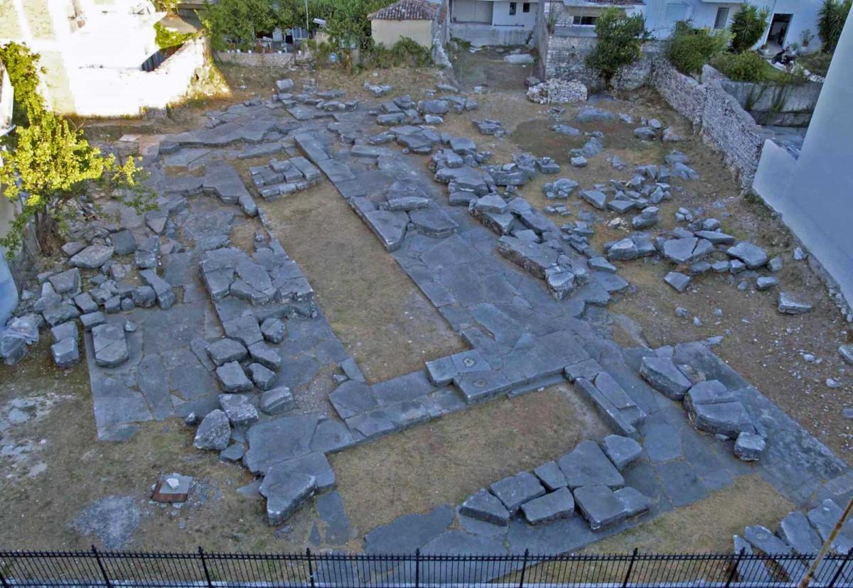 Ο ναός του Απόλλωνα (φωτ. Εφορεία Αρχαιοτήτων Άρτας).