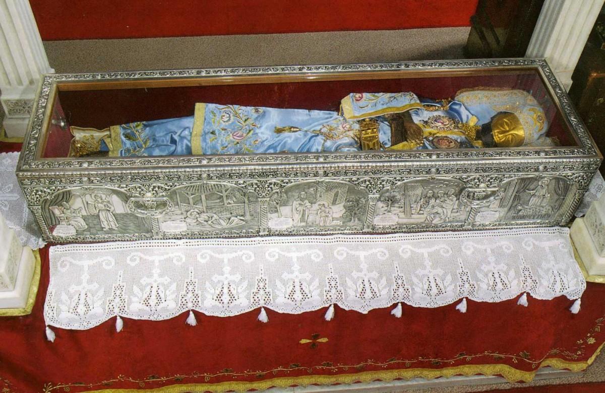 Το σκήνωμα του Οσίου Ιωάννου του Ρώσου.